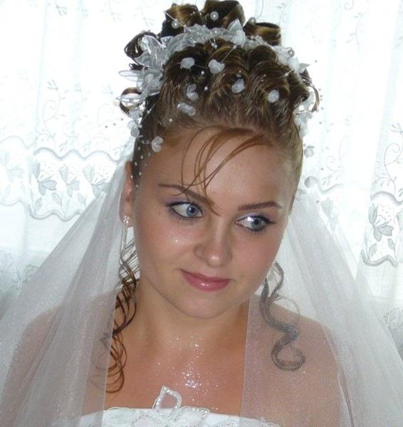 свадебные прически на средние волосы для полных