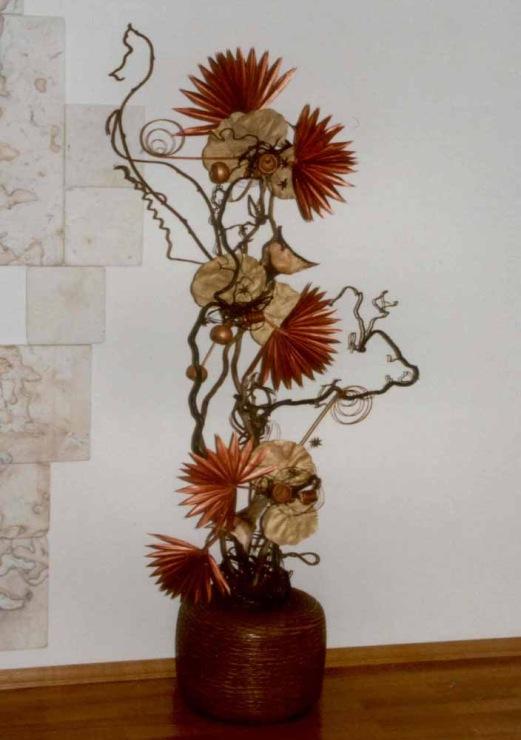Цветы в высокую вазу своими руками